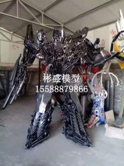 大型变形金刚模型厂家定制定做,铁艺机器人模型雕塑